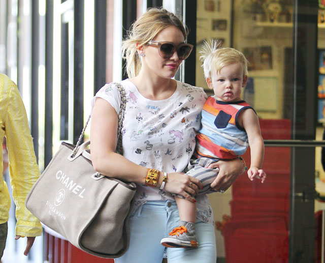 3638c8fd4a4d Hilary Duff Switches Her Baby Bag to Chanel - PurseBlog