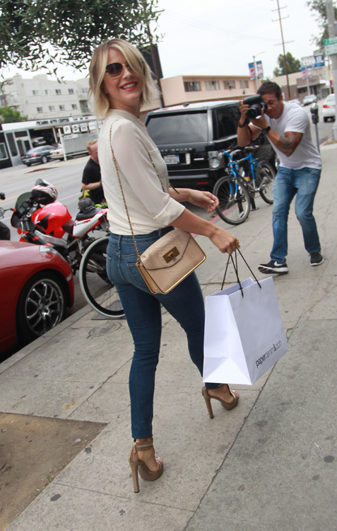 Julianne Hough carries a Chloe Sally Bag (5)