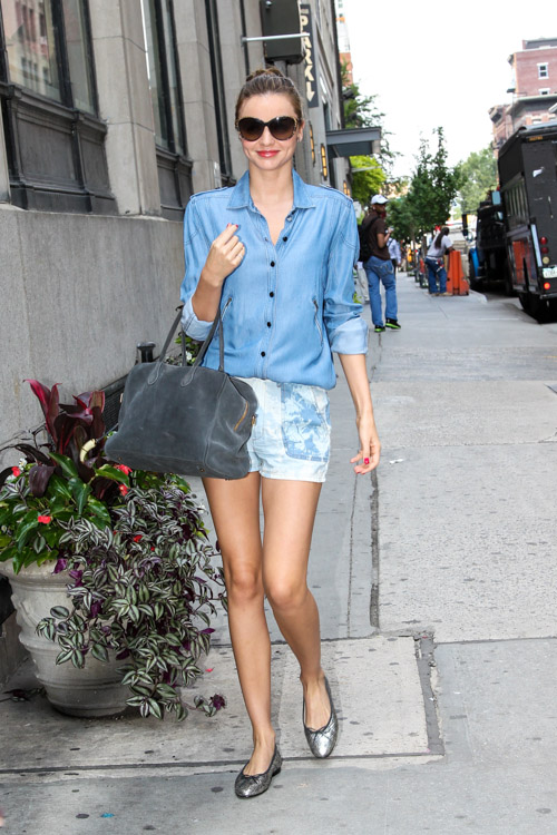 Miranda Kerr carries a grey suede Balmain x Aurelie Bidermann Pierre Bag (1)