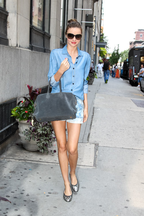 Miranda Kerr carries a grey suede Balmain x Aurelie Bidermann Pierre Bag (2)
