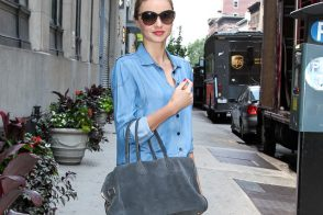 Miranda Kerr carries a grey suede Balmain x Aurelie Bidermann Pierre Bag (5)