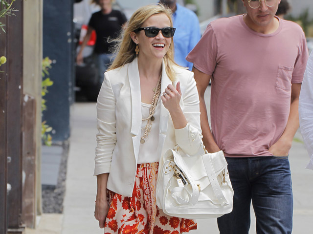 Reese Witherspoon carries a white Proenza Schouler PS1 Bag (5)