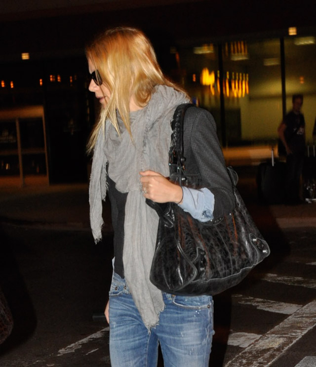 The Many Bags of Gwyneth Paltrow (11)
