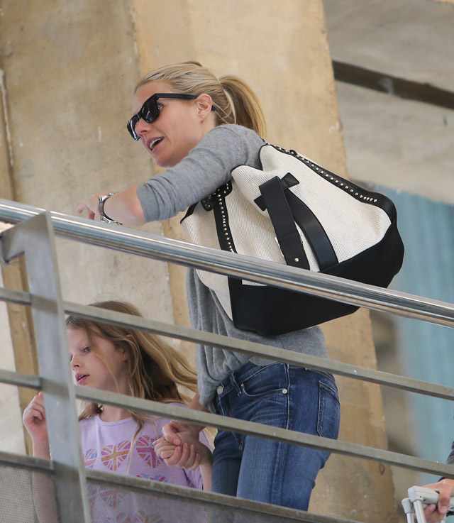 The Many Bags of Gwyneth Paltrow (19)