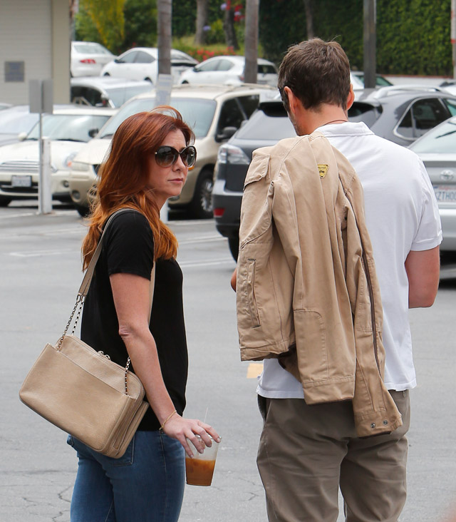 Alyson Hannigan carries a beige Chloe Lucy Bag (2)