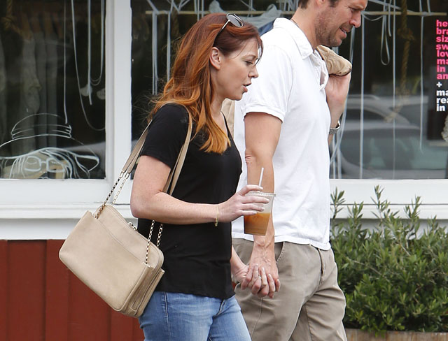 Alyson Hannigan carries a beige Chloe Lucy Bag (5)