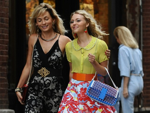 "AnnaSophia Robb carries a blue Fendi Baguette Bag on the set of ""The Carrie Diaries"" (5)"