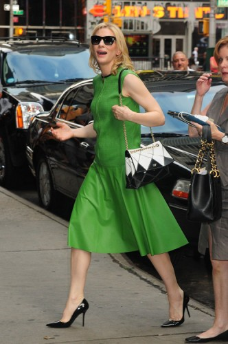 Cate Blanchett carries a Roger Vivier Prismick Bag in NYC (4)