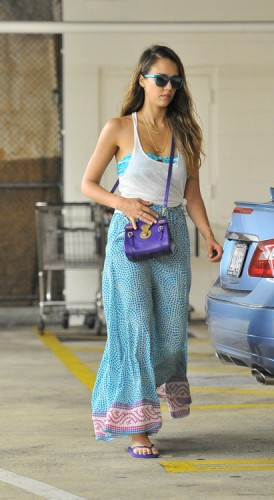 Jessica Alba carries the Ralph Lauren Ricky Mini Crossbody Bag in LA. (4)