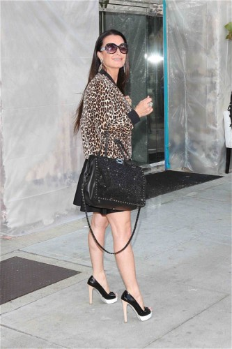 Kyle Richards carried an embroidered black Valentino Rockstud Tote in LA (3)