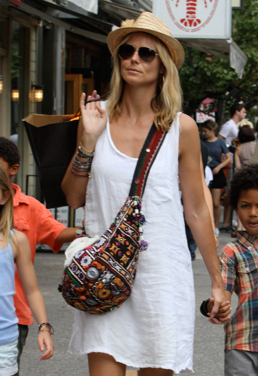 The Many Bags of Heidi Klum-19