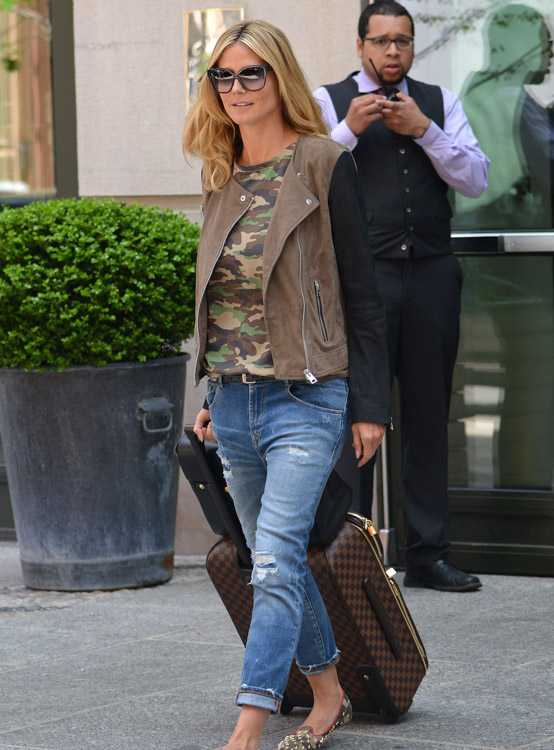 The Many Bags of Heidi Klum-25