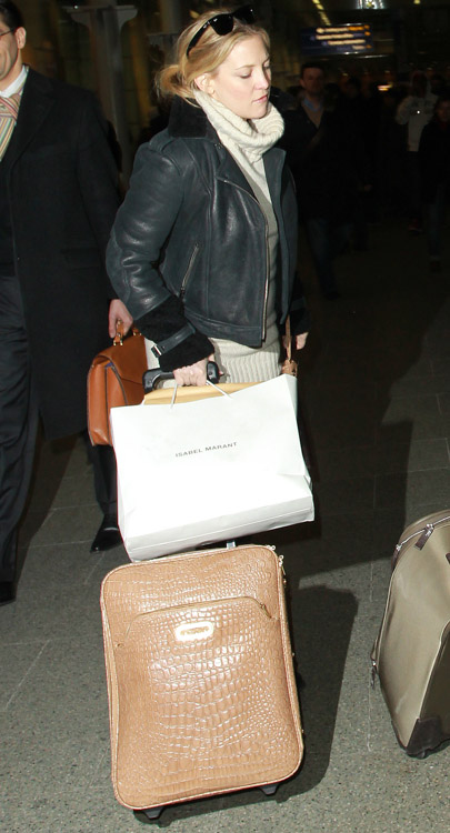 The Many Bags of Kate Hudson (16)