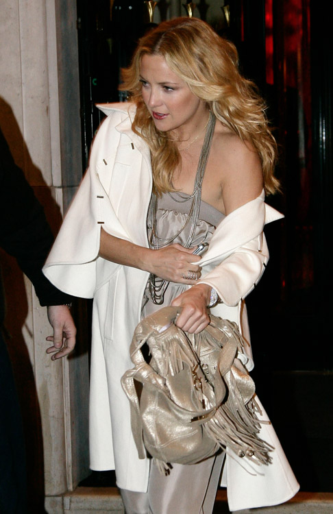 The Many Bags of Kate Hudson (6)