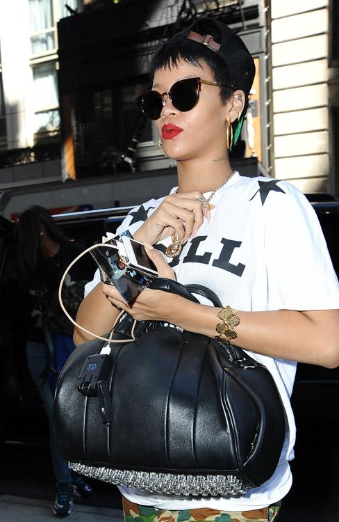 b267aec9dda1d1 The Many Bags of Rihanna, Part Two - PurseBlog
