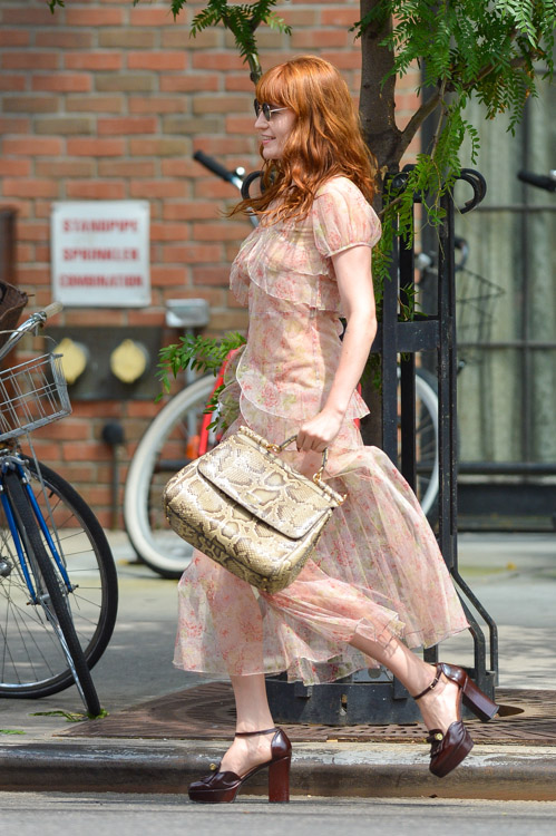 Florence Welch carries a Dolce & Gabbana Miss Sicily Bag in NYC (3)