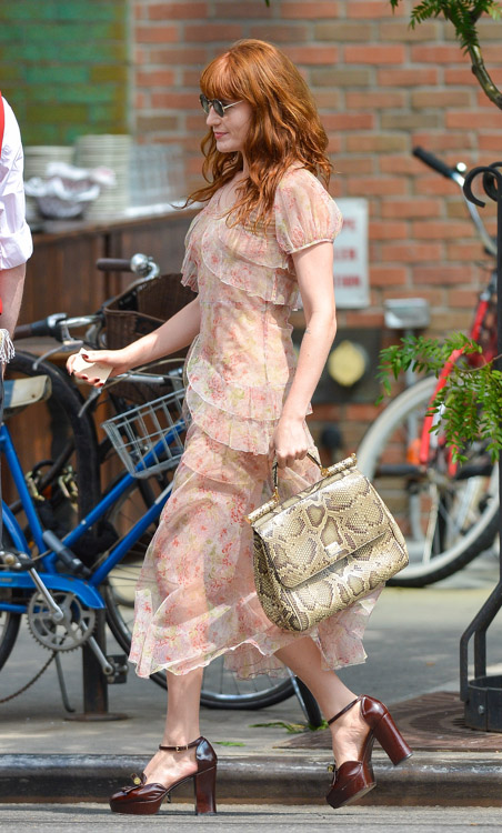 Florence Welch carries a Dolce & Gabbana Miss Sicily Bag in NYC (4)
