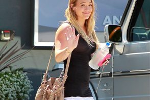 Hilary Duff carries an Alexander Wang Diego Bucket Bag in LA (5)