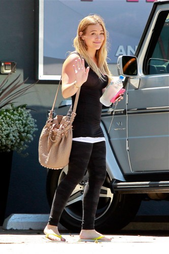 Hilary Duff carries an Alexander Wang Diego Bucket Bag in LA (3)