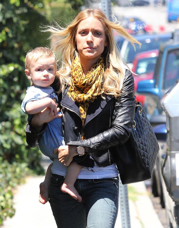 Kristin Cavallari carries a Chanel Grand Shopping Tote in LA (1)