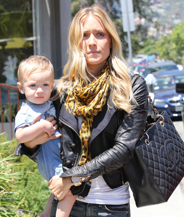 Kristin Cavallari carries a Chanel Grand Shopping Tote in LA (2)