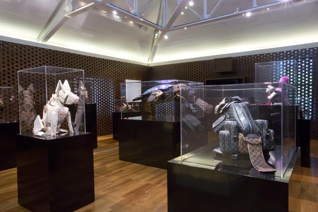 Louis Vuitton Billie Achilleos Leather Animal Sculptures (11)