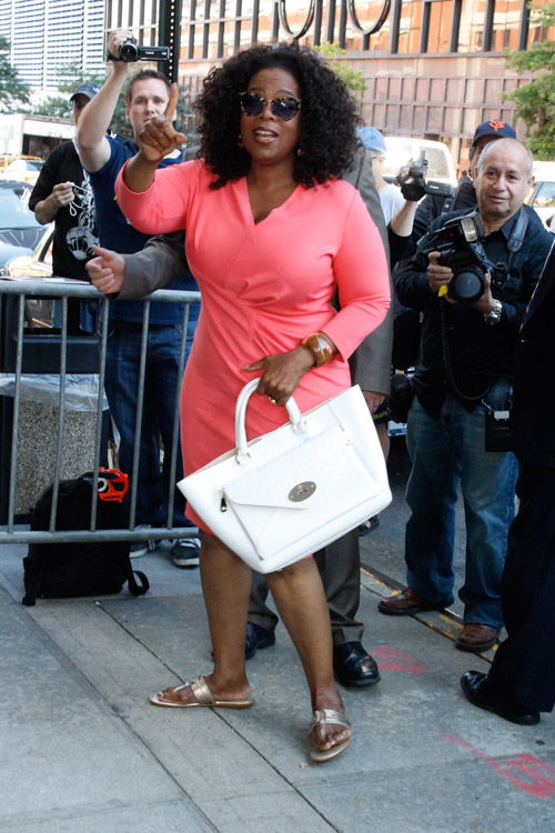 Oprah Winfrey carries a white Mulberry Willow Tote in NYC (1)
