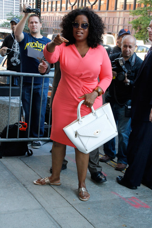 Oprah Winfrey carries a white Mulberry Willow Tote in NYC (2)