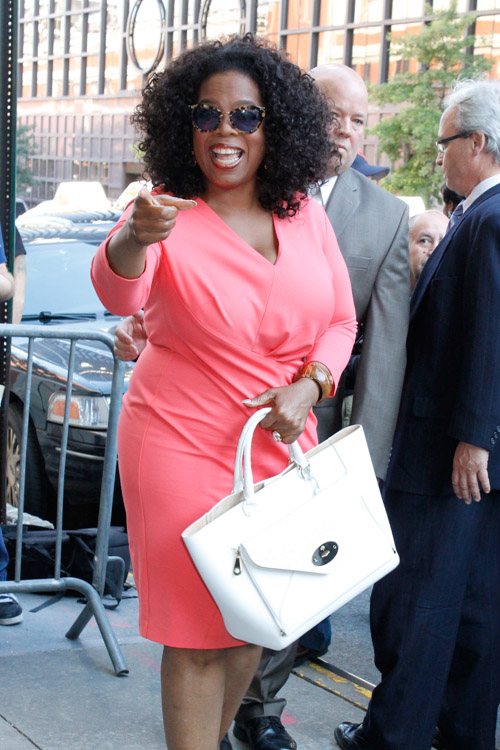 Oprah Winfrey carries a white Mulberry Willow Tote in NYC (3)