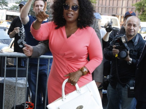Oprah Winfrey carries a white Mulberry Willow Tote in NYC (5)