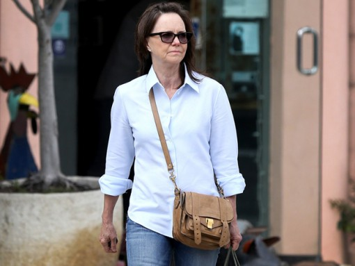 Sally Field carries a brown Proenza Schouler PS1 Pouch (5)