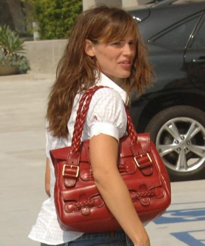 The Many Bags of Jennifer Garner (1)