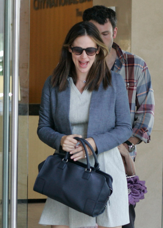 The Many Bags of Jennifer Garner (20)