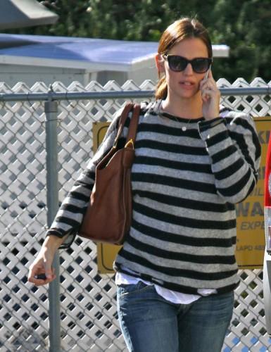 The Many Bags of Jennifer Garner (25)