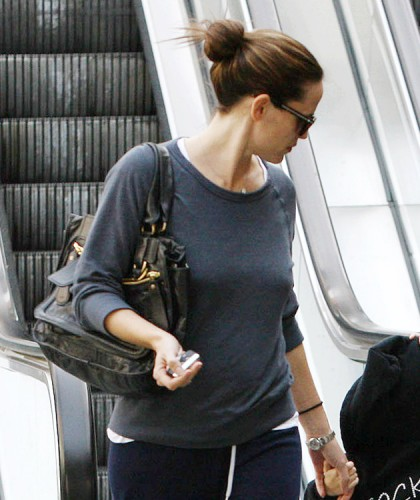 The Many Bags of Jennifer Garner (27)