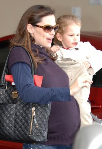 The Many Bags of Jennifer Garner (4)