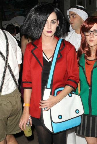 The Many Bags of Katy Perry (20)
