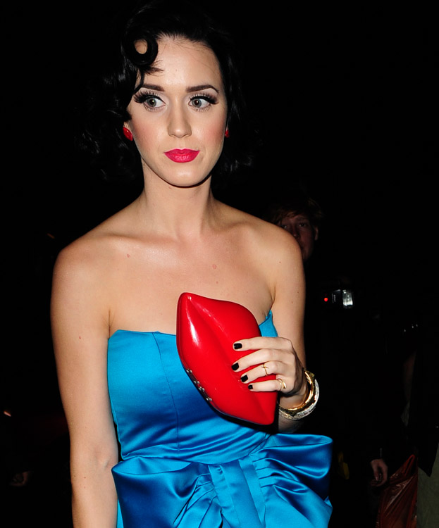The Many Bags of Katy Perry (5)