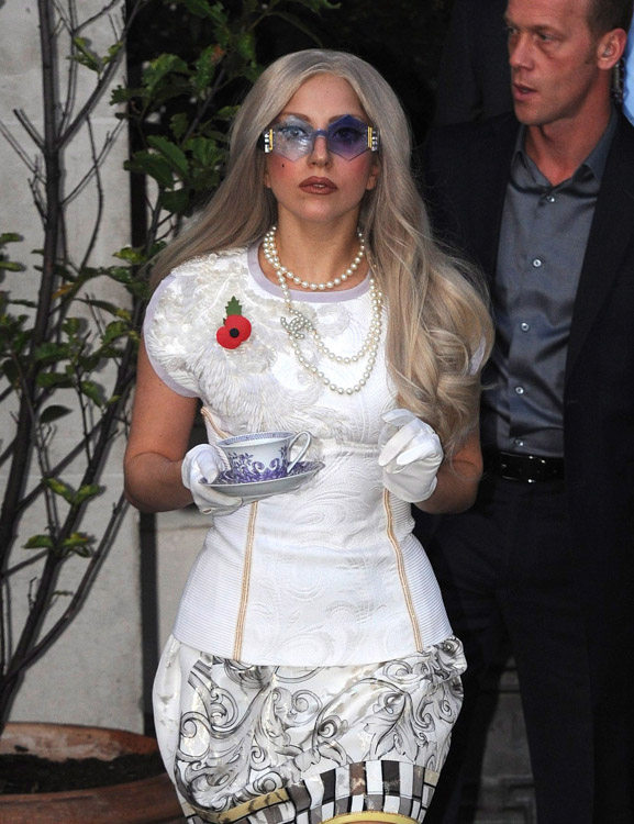 The Many Bags of Lady Gaga (10)