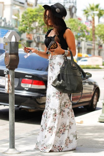 Vanessa Hudgens carries a Givenchy Nightingale Bag in LA (3)