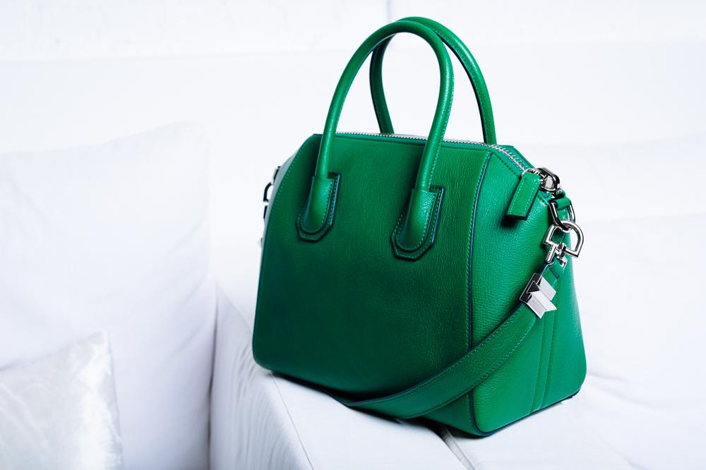 What's In Elyse Walker's Bag (4)