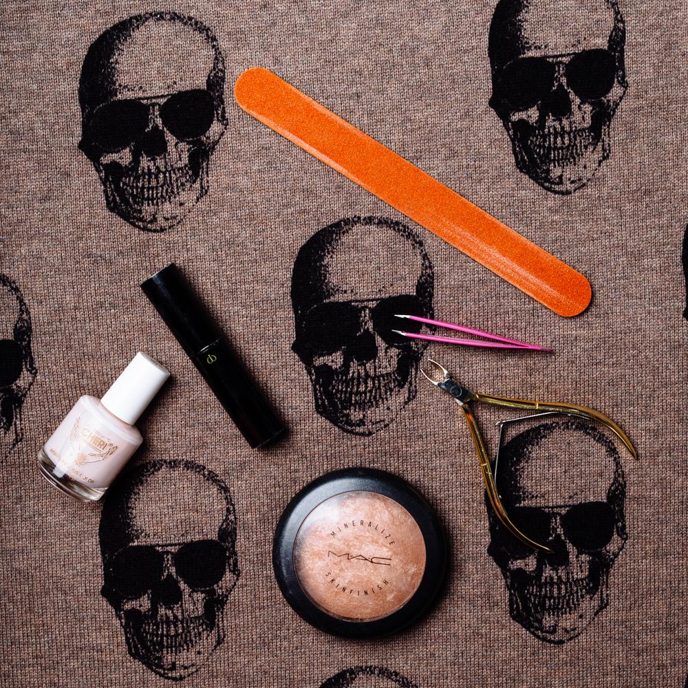 What's In Elyse Walker's Bag (7)