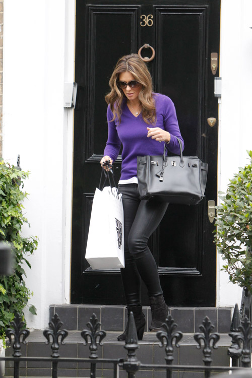 Elizabeth Hurley carries a rare Hermes Birkin in London (3)