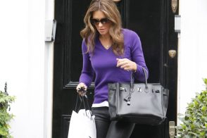 Elizabeth Hurley carries a rare Hermes Birkin in London (5)