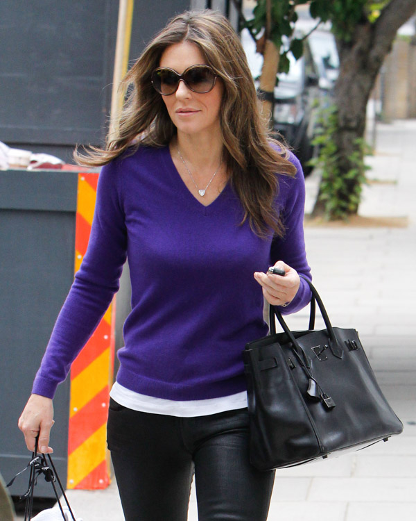 Elizabeth Hurley carries a rare Hermes Birkin in London (1)