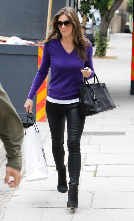 Elizabeth Hurley carries a rare Hermes Birkin in London (4)