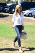 Heidi Klum carries a grey Reed Krakoff Boxer Tote (1)