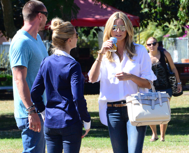 Heidi Klum carries a grey Reed Krakoff Boxer Tote (5)