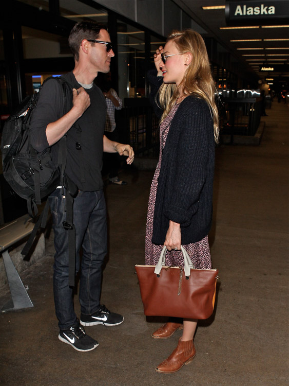 Kate Bosworth carries a Chloe Baylee Bag at LAX (4)