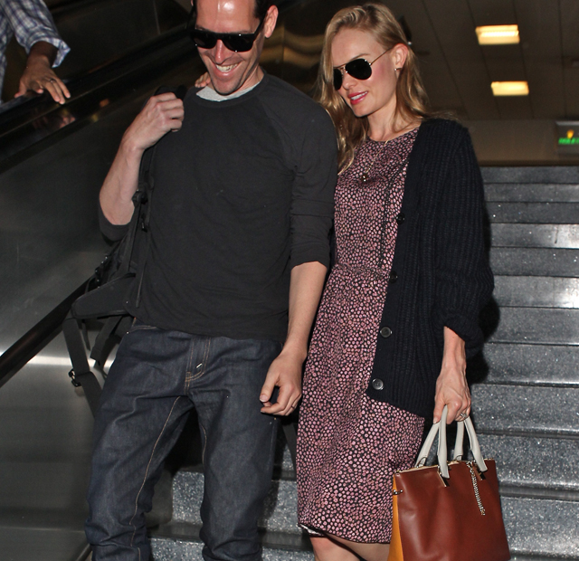 Kate Bosworth carries a Chloe Baylee Bag at LAX (5)